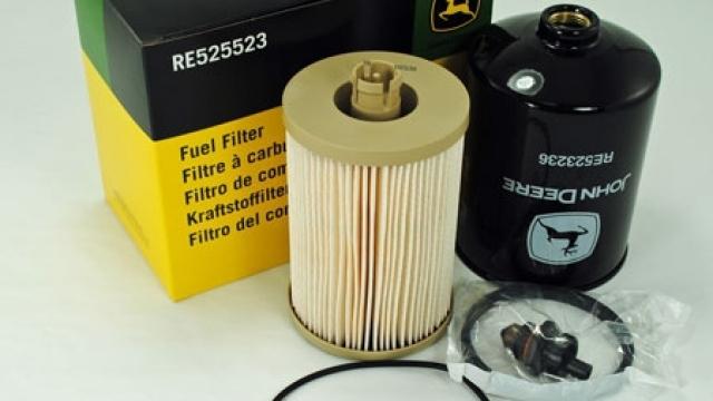 Комплект паливних фільтрів RE525523
